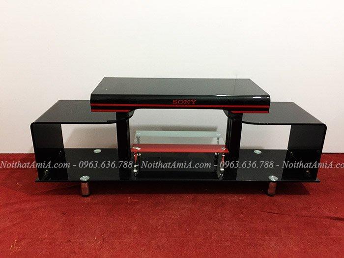 Hình ảnh mẫu kệ tivi kính đen thiết kế đơn giản cùng kích thước nhỏ xinh xắn