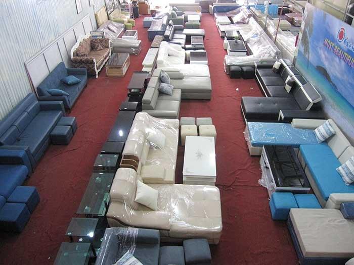 Hình ảnh tổng kho Nội thất AmiA đang bán và trưng bày rất nhiều mẫu bàn ghế sofa phòng khách đẹp