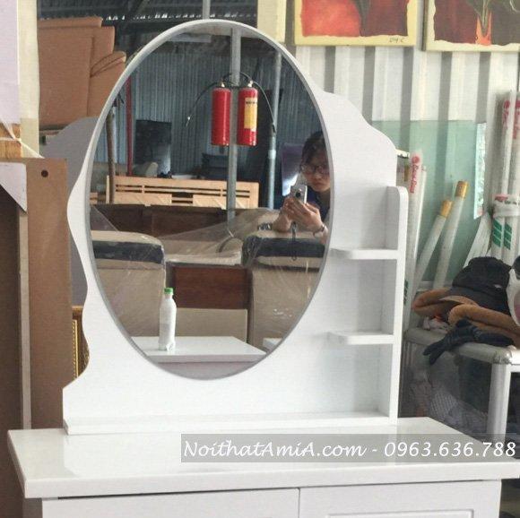 Phan guong hinh Oval chinh dien cua ban trang diem AmiA BTD 1007