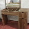 Hình ảnh Bàn trang điểm gương gấp màu gỗ hiện đại và sang trọng cho phòng ngủ đẹp gia đình