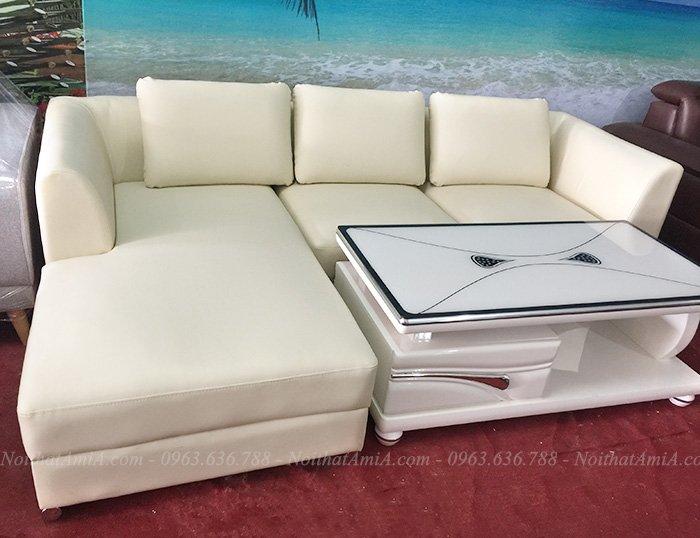 Hình ảnh Bộ ghế sofa da chữ L đẹp hiện đại chụp tại Tổng kho Nội thất AmiA