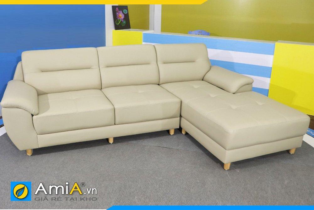 Sofa màu ghi sáng kiểm tra trước khi giao cho khách