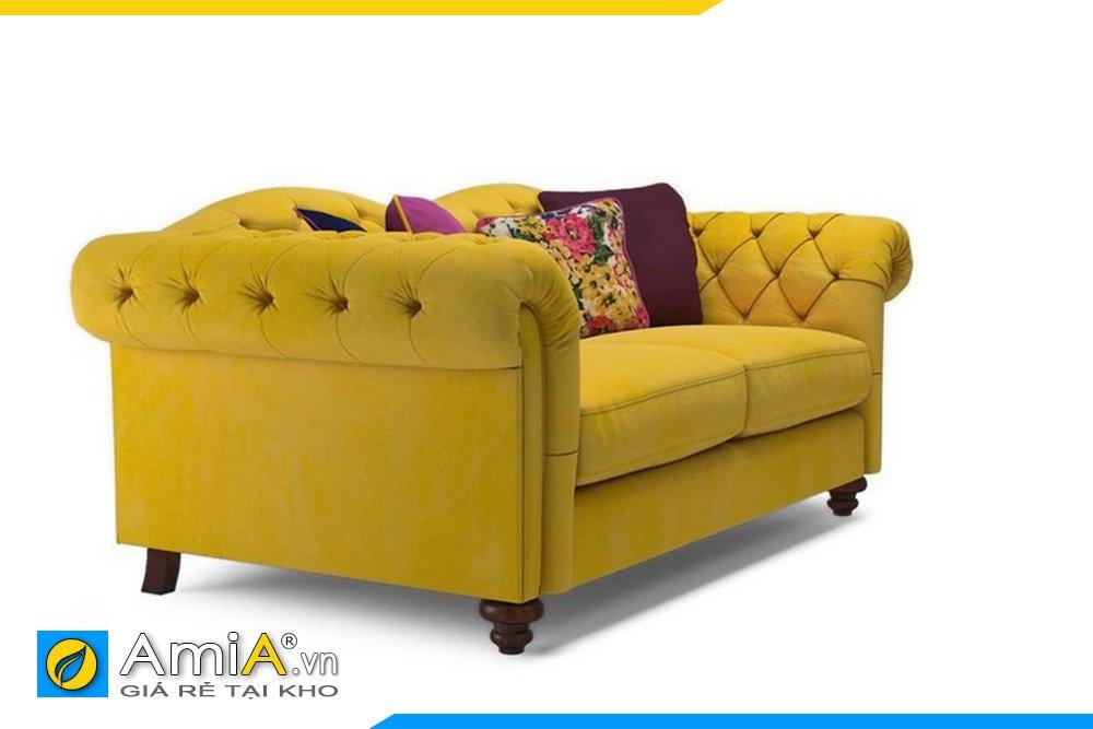 Cạnh bên của sofa văng tân cổ điển có tựa tay cong ra phía ngoài