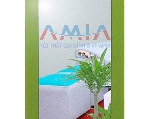 Hình ảnh thực tế của gương soi để bàn khung gỗ xanh